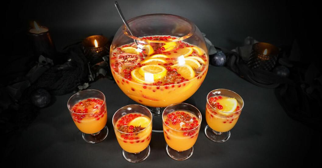 Halloweenbål med pumpa och granatäpple utan alkohol. Fotograf: Katarina Mattsson