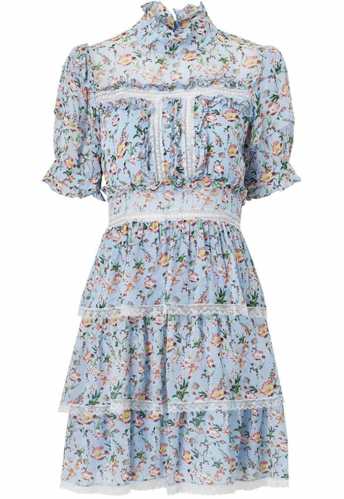 kort blommig klänning med spets från by malina