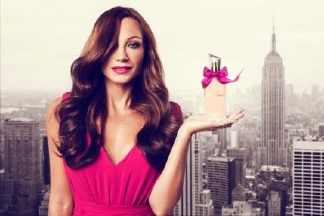 "Charlotte Perelli har lanserat sin egen parfym ""The Girl""."