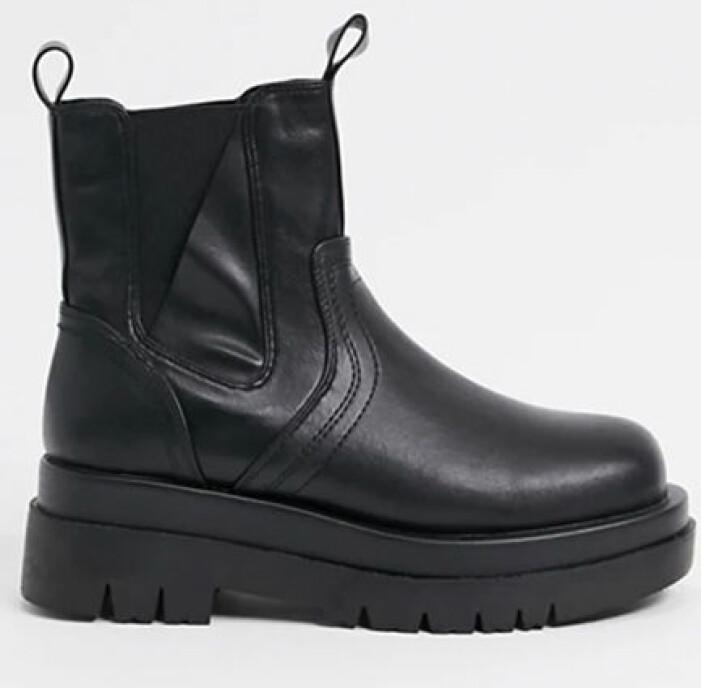 chunky boots raid