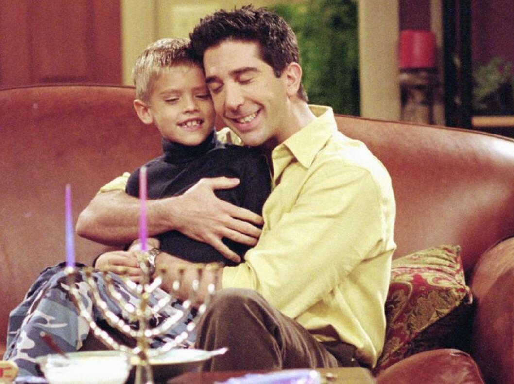 Cole sprouse och David Schwimmer i Vänner