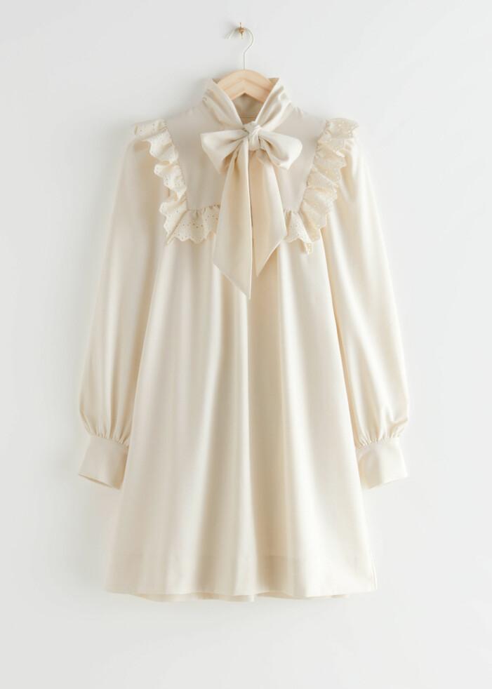 Kort cremevit brudklänning från & Other stories