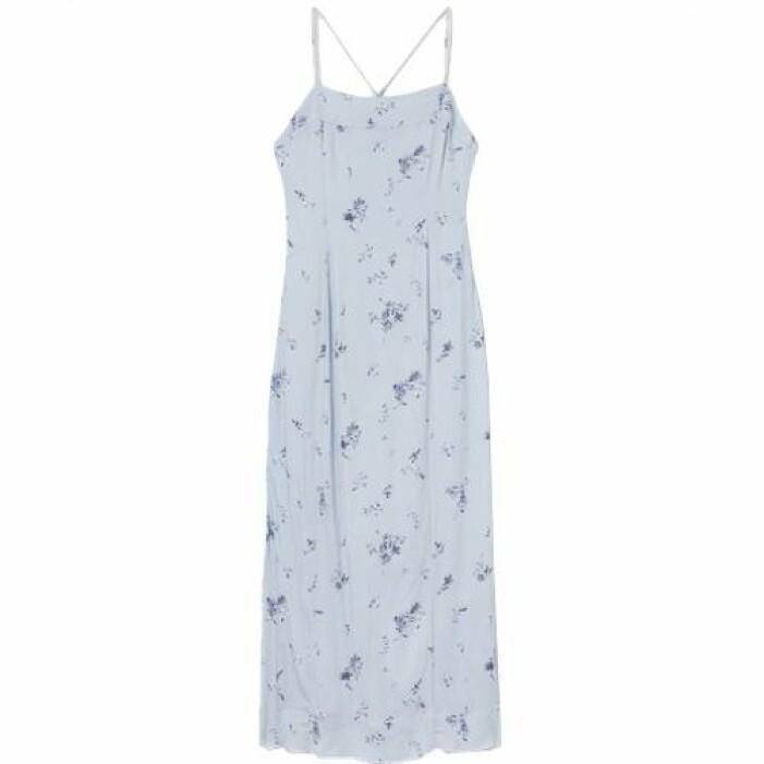 Blå klänning med öppen rygg