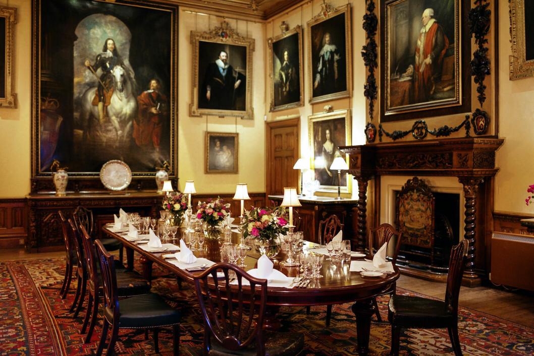 Matsalen på Downton Abbey eller Highclere Castle som det egentligen heter