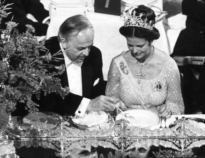 Drottning Silvia och fysikpristagaren Burton Richter vid Nobelmiddagen 1976