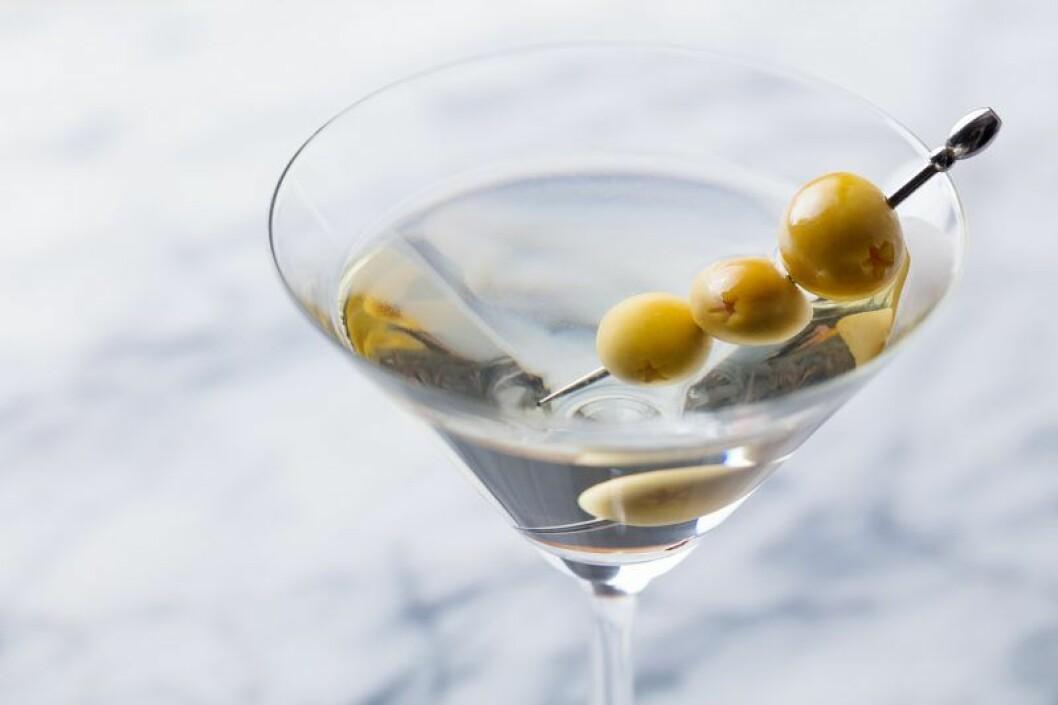 Vågen, drink enligt stjärntecken, Dry martini