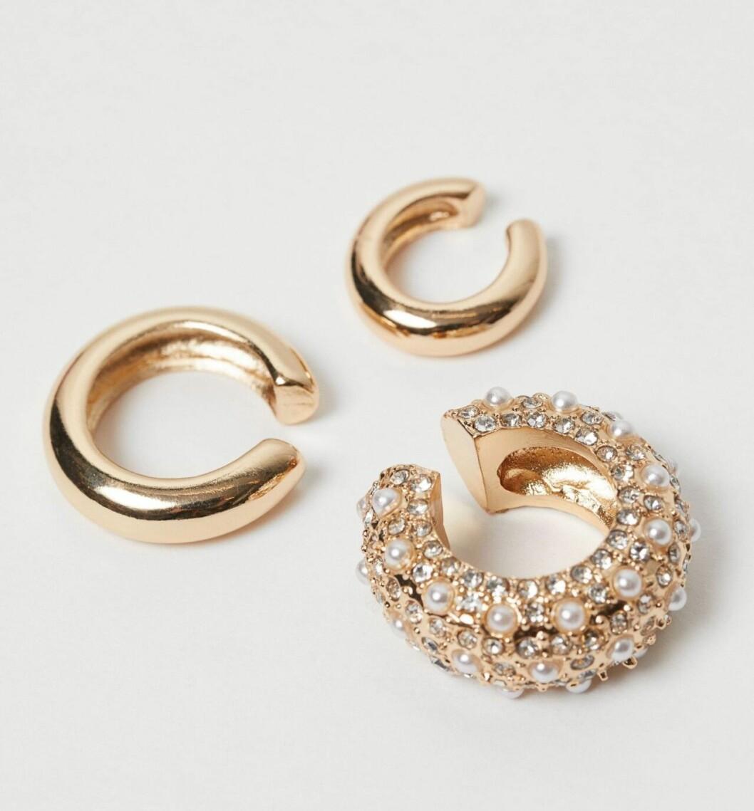 Guldfärgade earcuffs från H&M