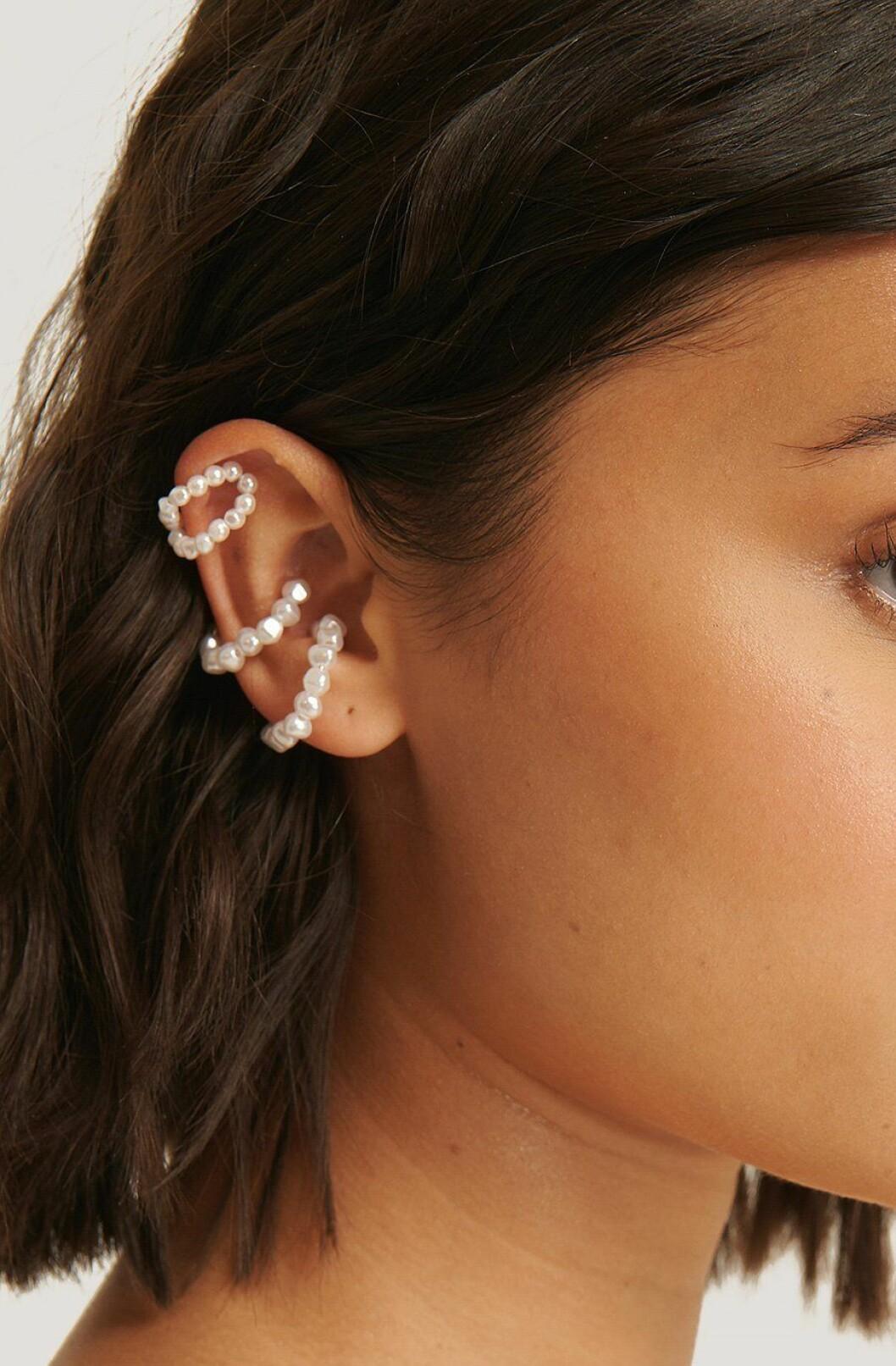 Earcuffs med pärlor från Na-kd till 2020