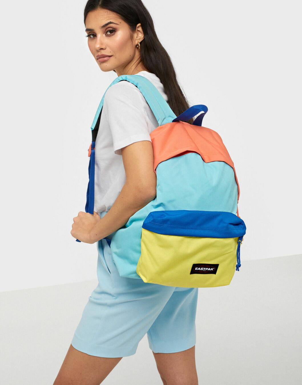Färgglad ryggsäck från Eastpak