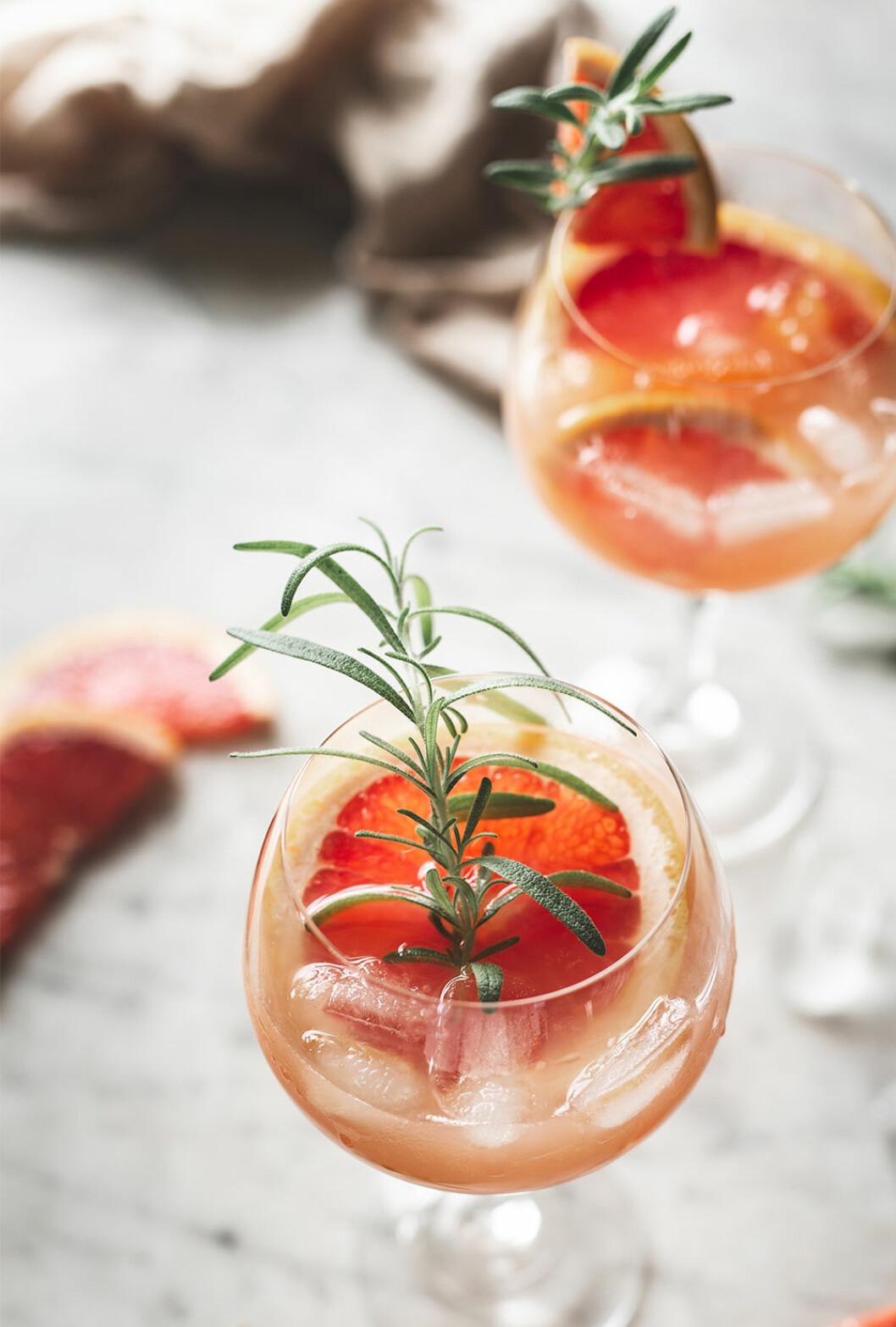 Enkel sommardrink med gin och grapefrukt