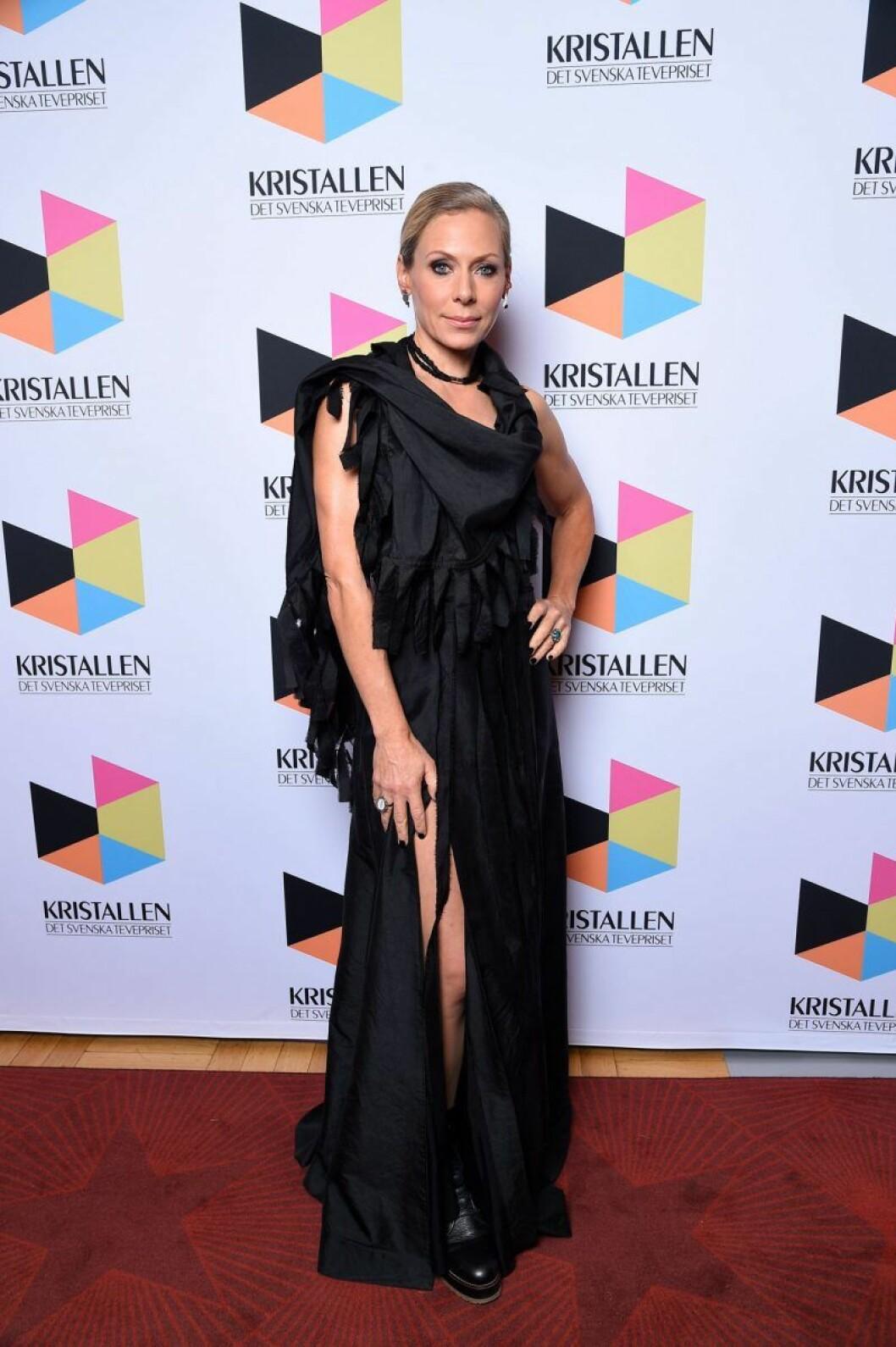 Eva Röse på röda mattan på Kristallen 2020