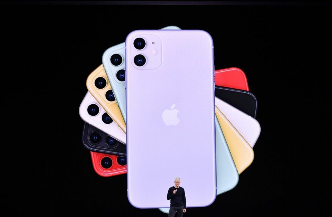 En bild på Apples VD Tim Cook under presentationen av Iphone 11.
