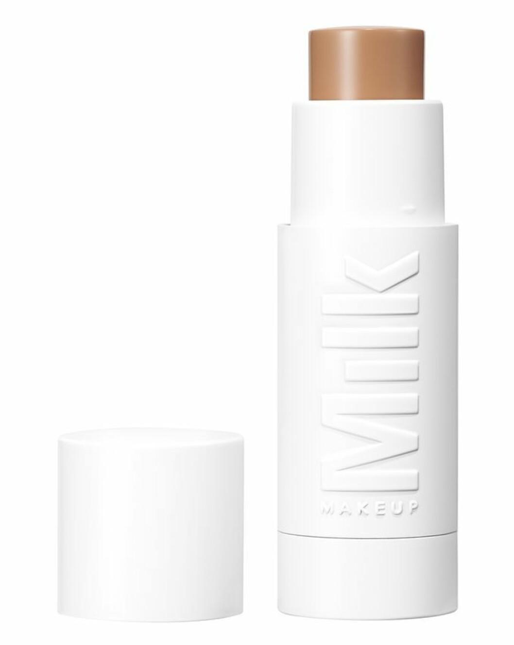 Foundation stick milk makeup