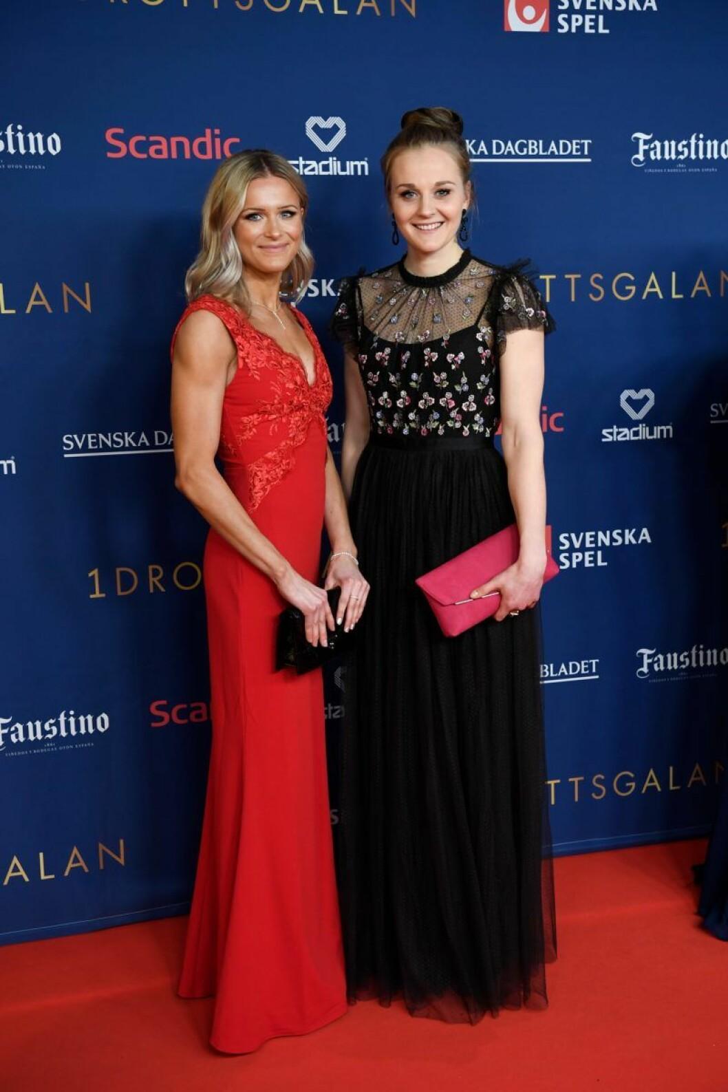 Frida Karlsson och Stina Nilsson på röda mattan på Idrottsgalan 2020