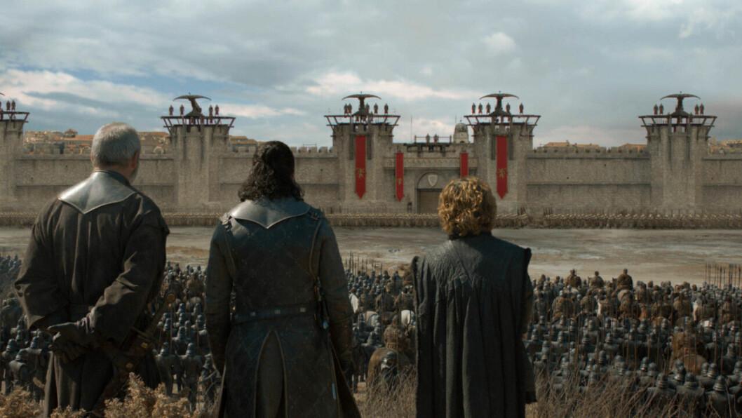 En bild på karaktärerna Davos Seaworth, Jon Snow och Tyrion Lannister i tv-serien Game of Thrones på HBO.