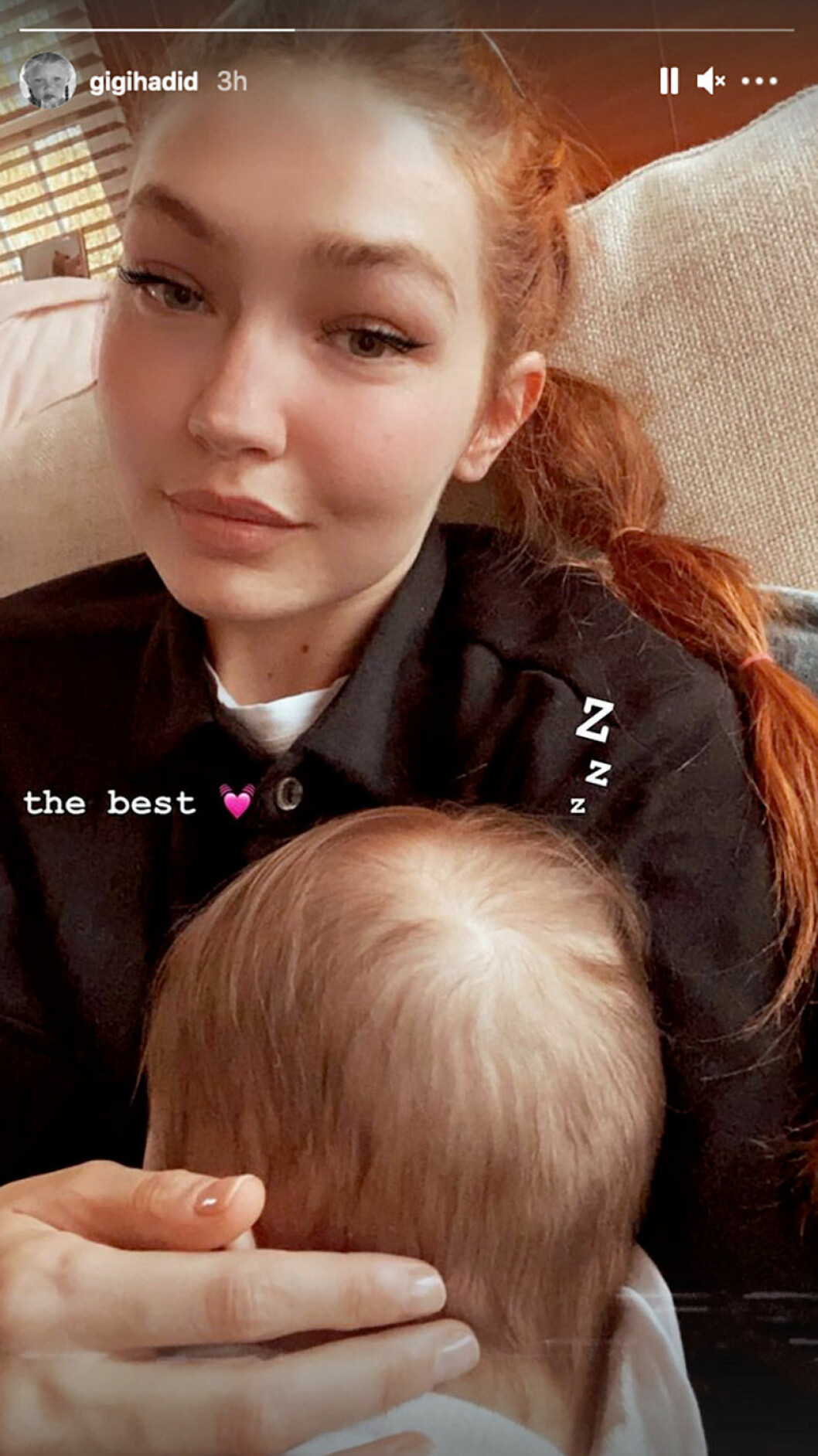 Gigi Hadid och dottern Khai.