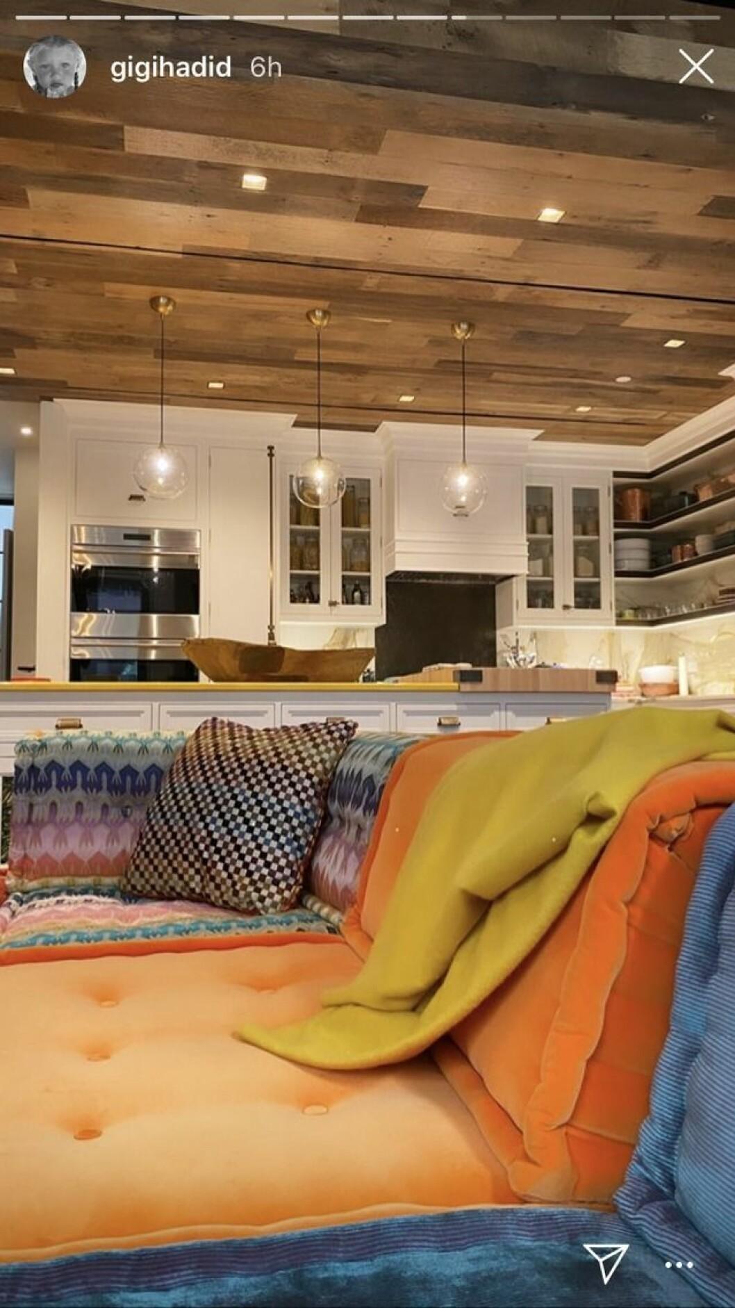 Gigi Hadid soffa