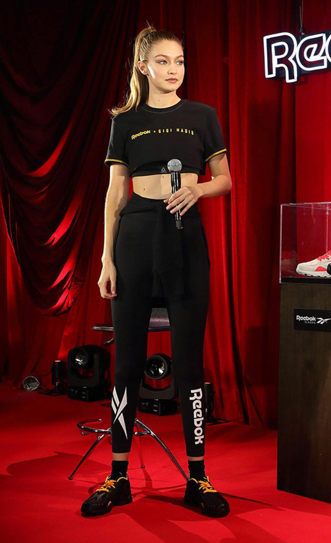 En bild på Gigi Hadid och hennes nya kollektion för Reebok, som släpps i december.