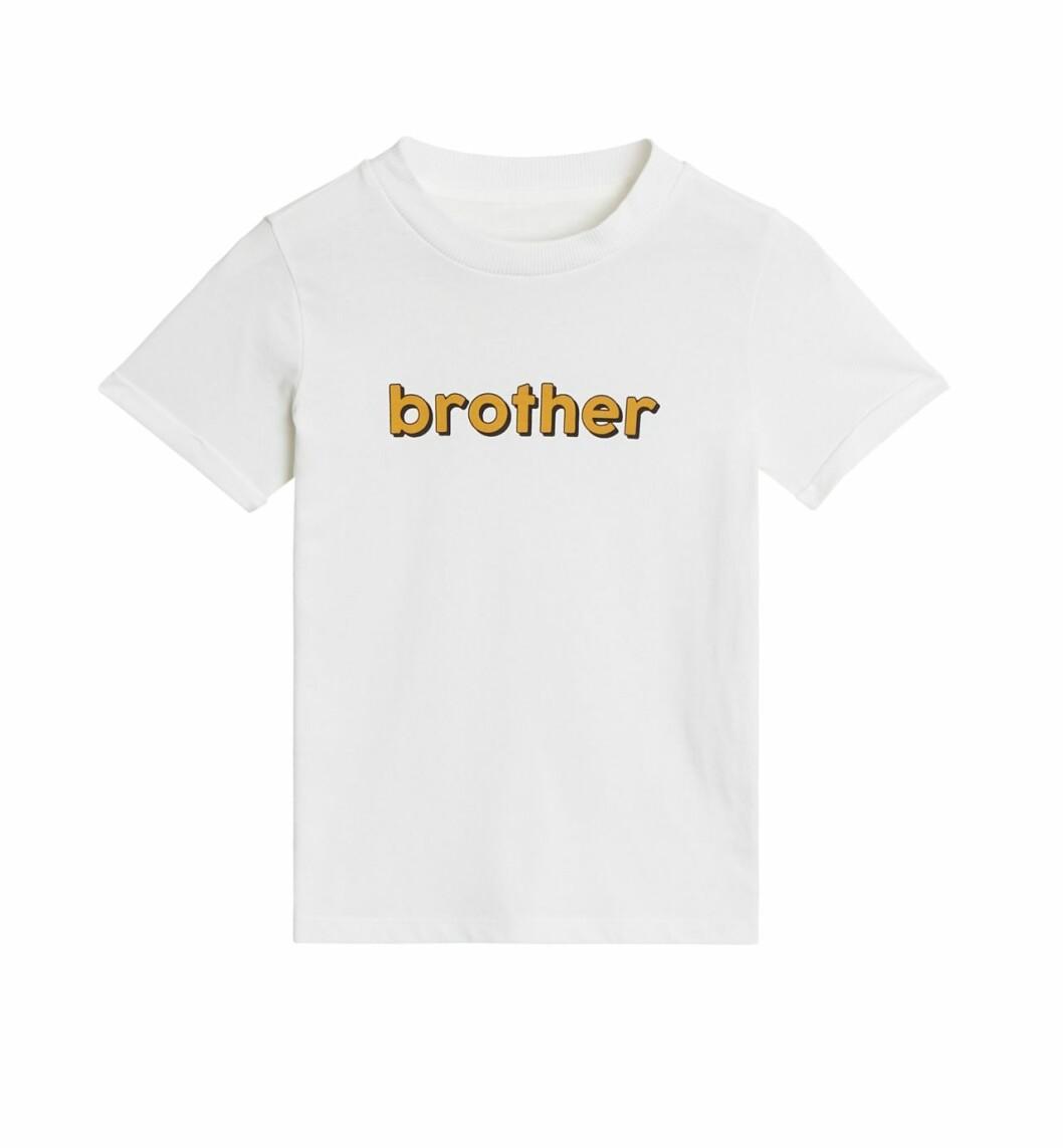 Gina tricot Mini mor- och barnkollektion –vit t-shirt brother
