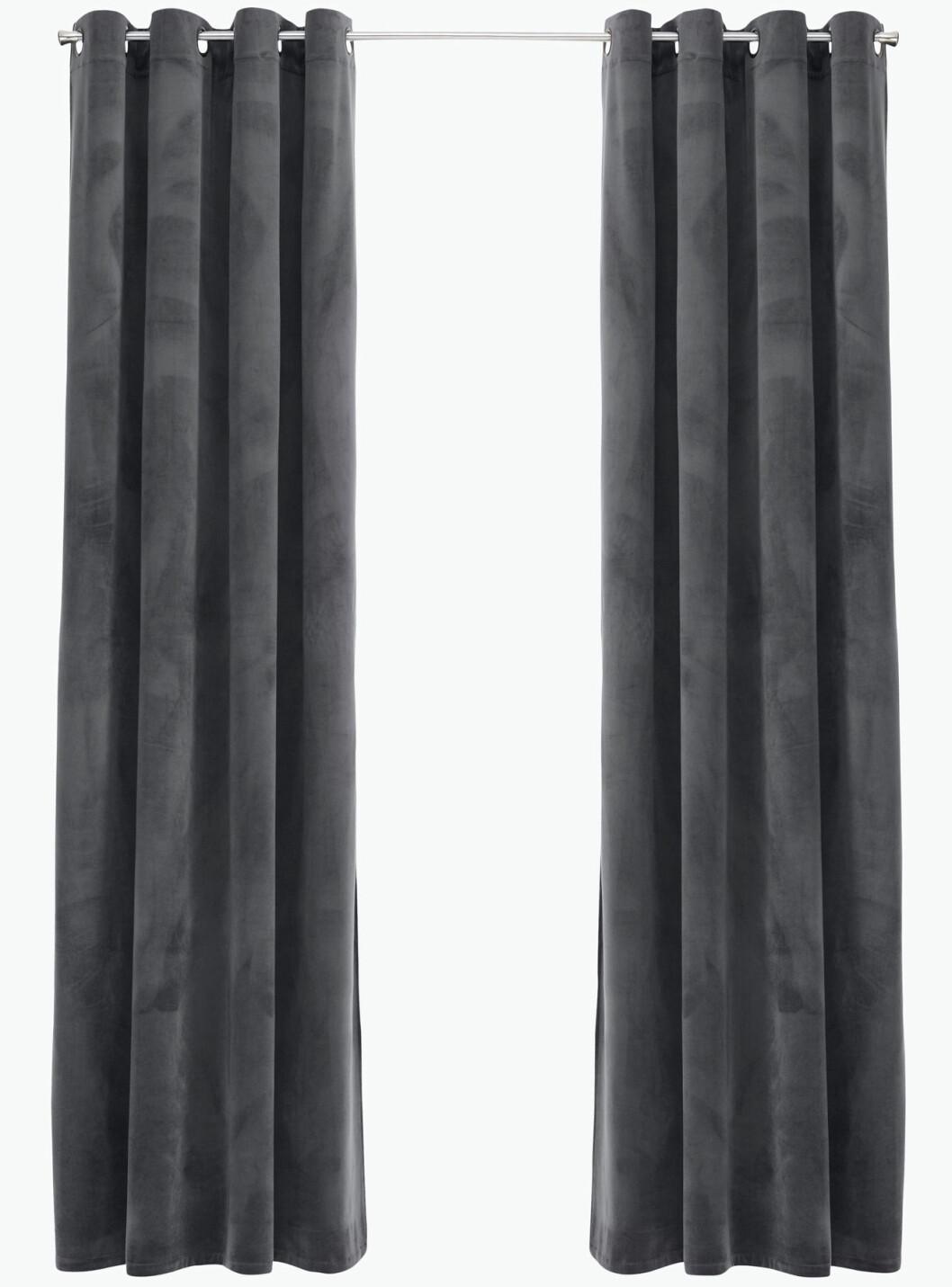 grå gardiner sammet