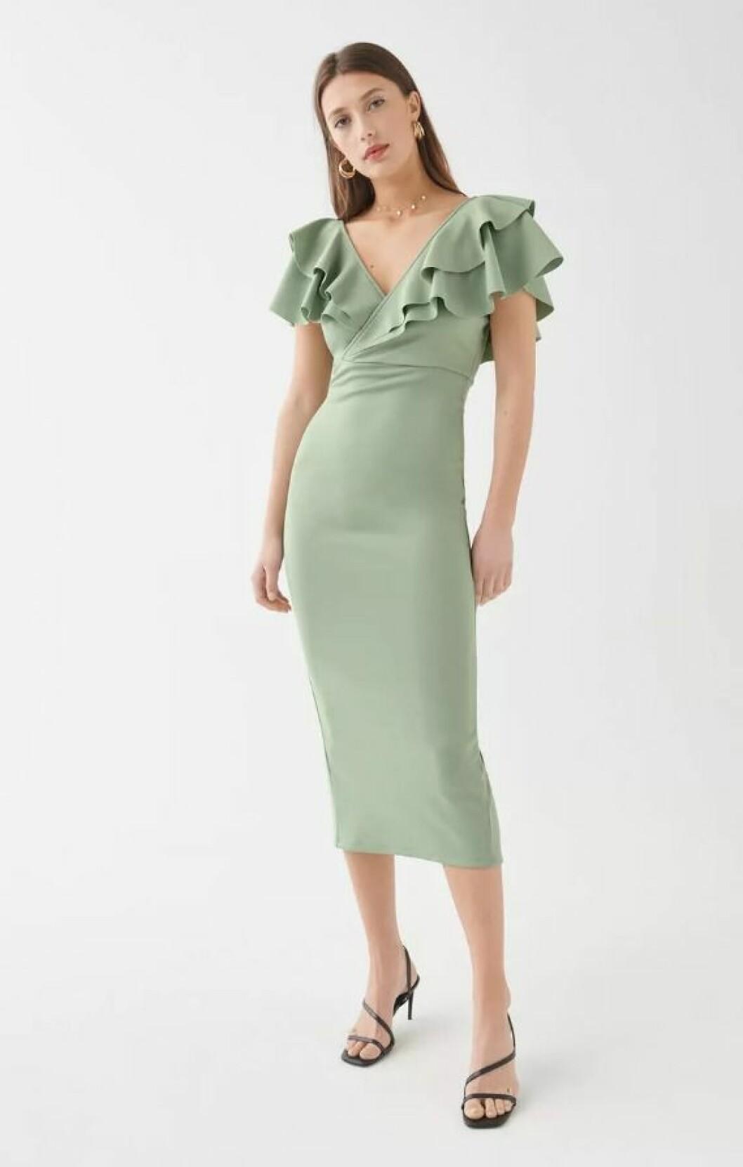 Grön klänning för dam till bröllopet 2019