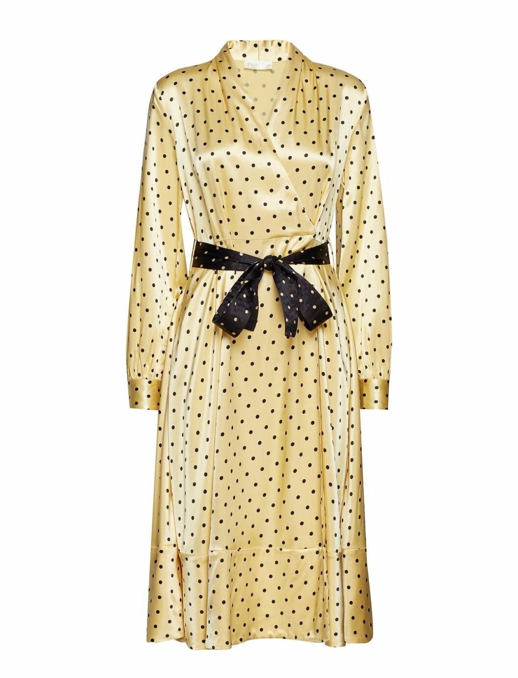 Gul klänning till våren 2019