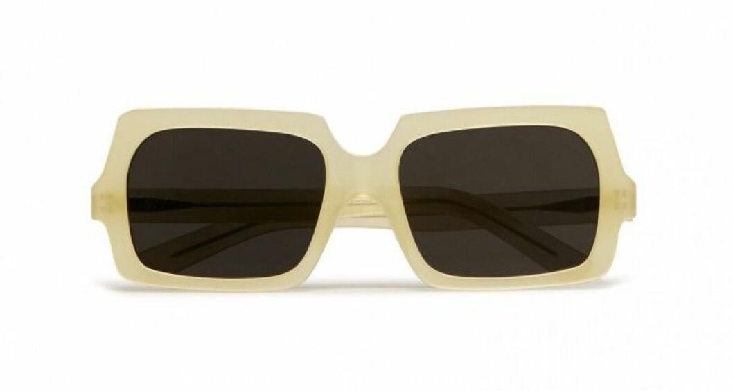 Gula solglasögon från Acne studios på rea