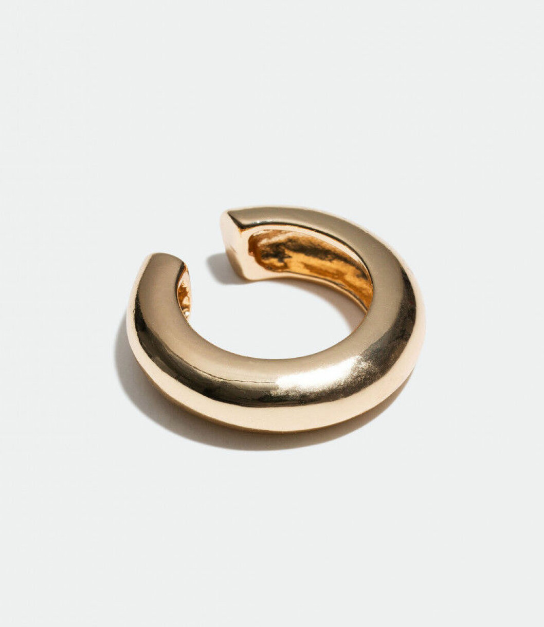 Guldfärgad, stilren earcuff från Glitter