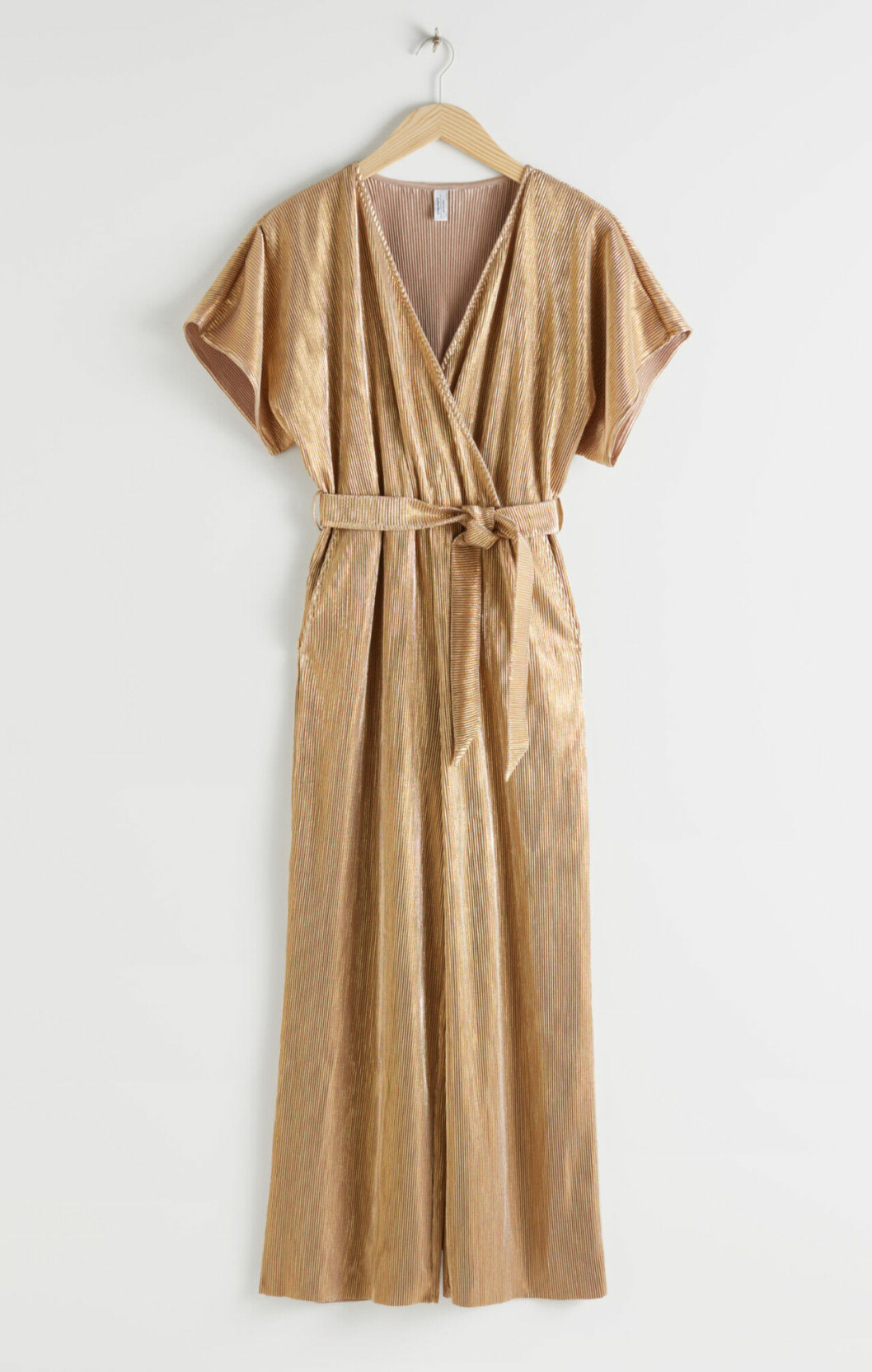 Guldfärgad jumpsuit i plisserat tyg för dam till 2019