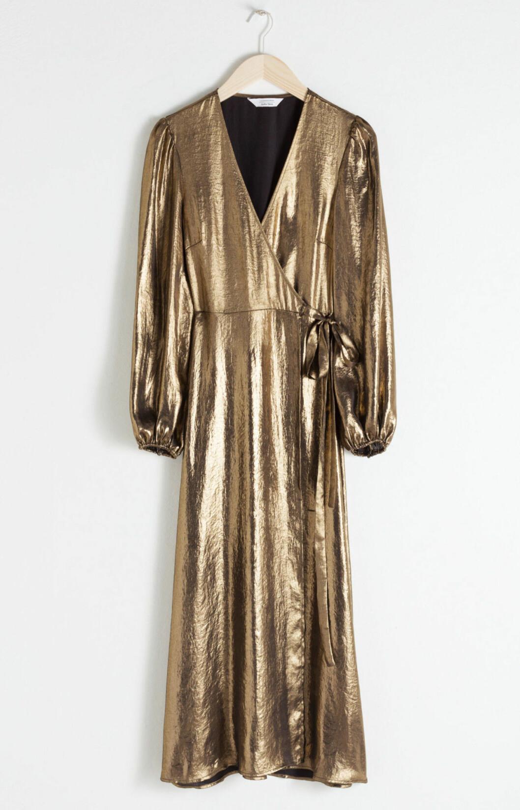 Guldfärgad klänning till nyår