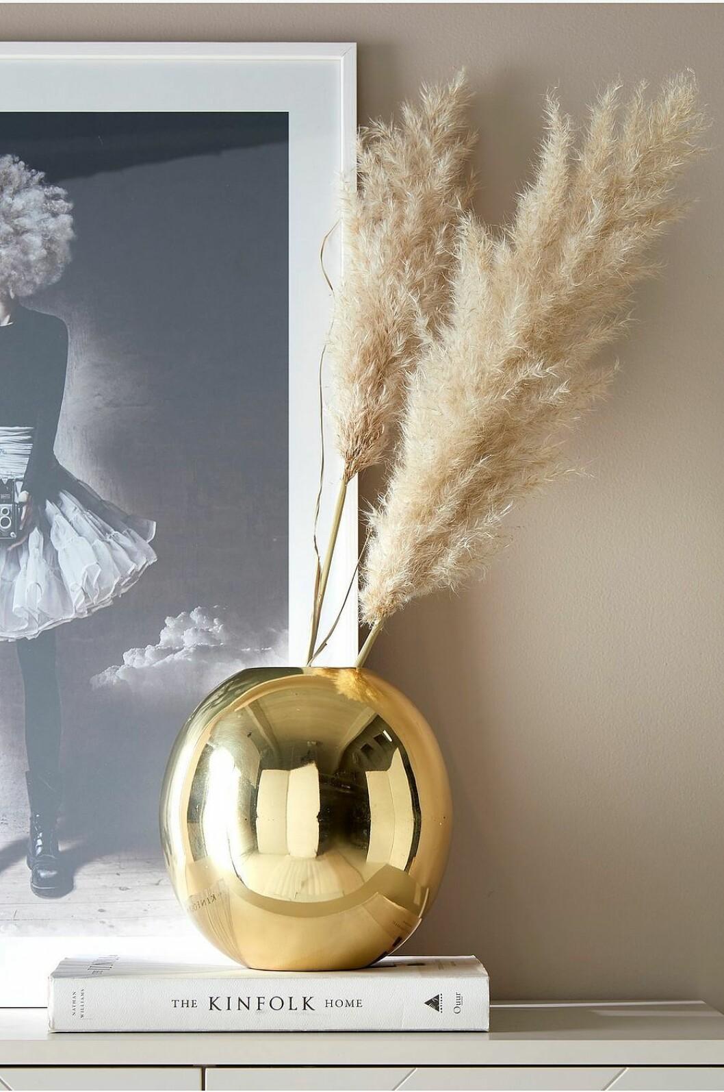 Guldfärgad vas från Ellos home