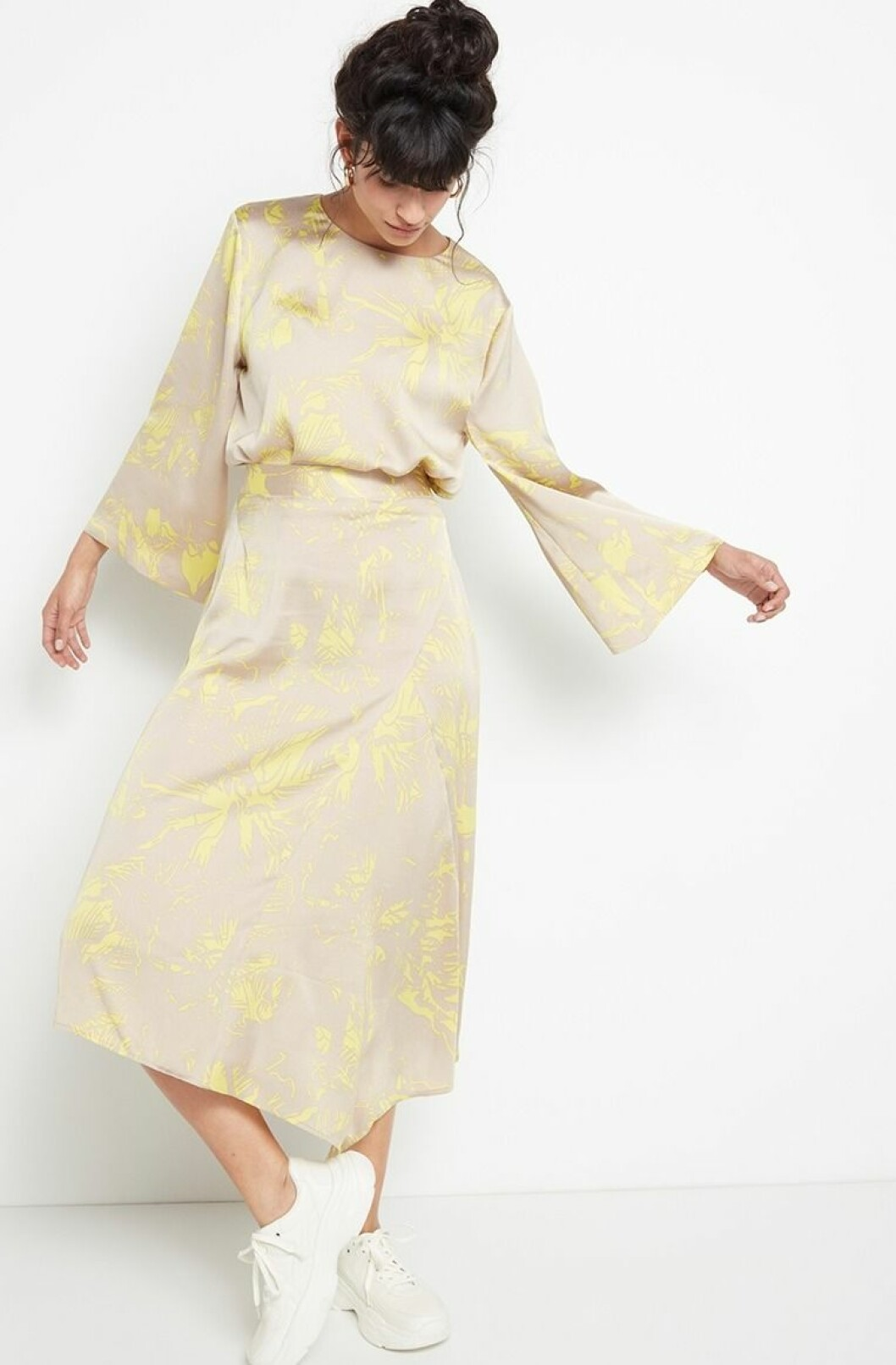 Gult set med topp och kjol från Lindex