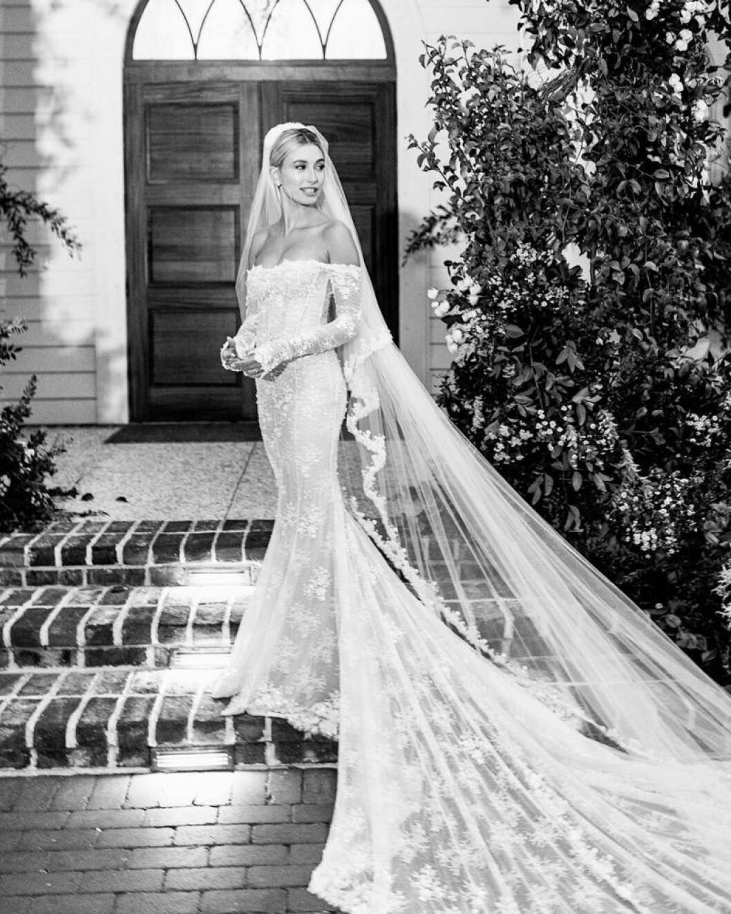 Hailey Beiber bröllopsklänning