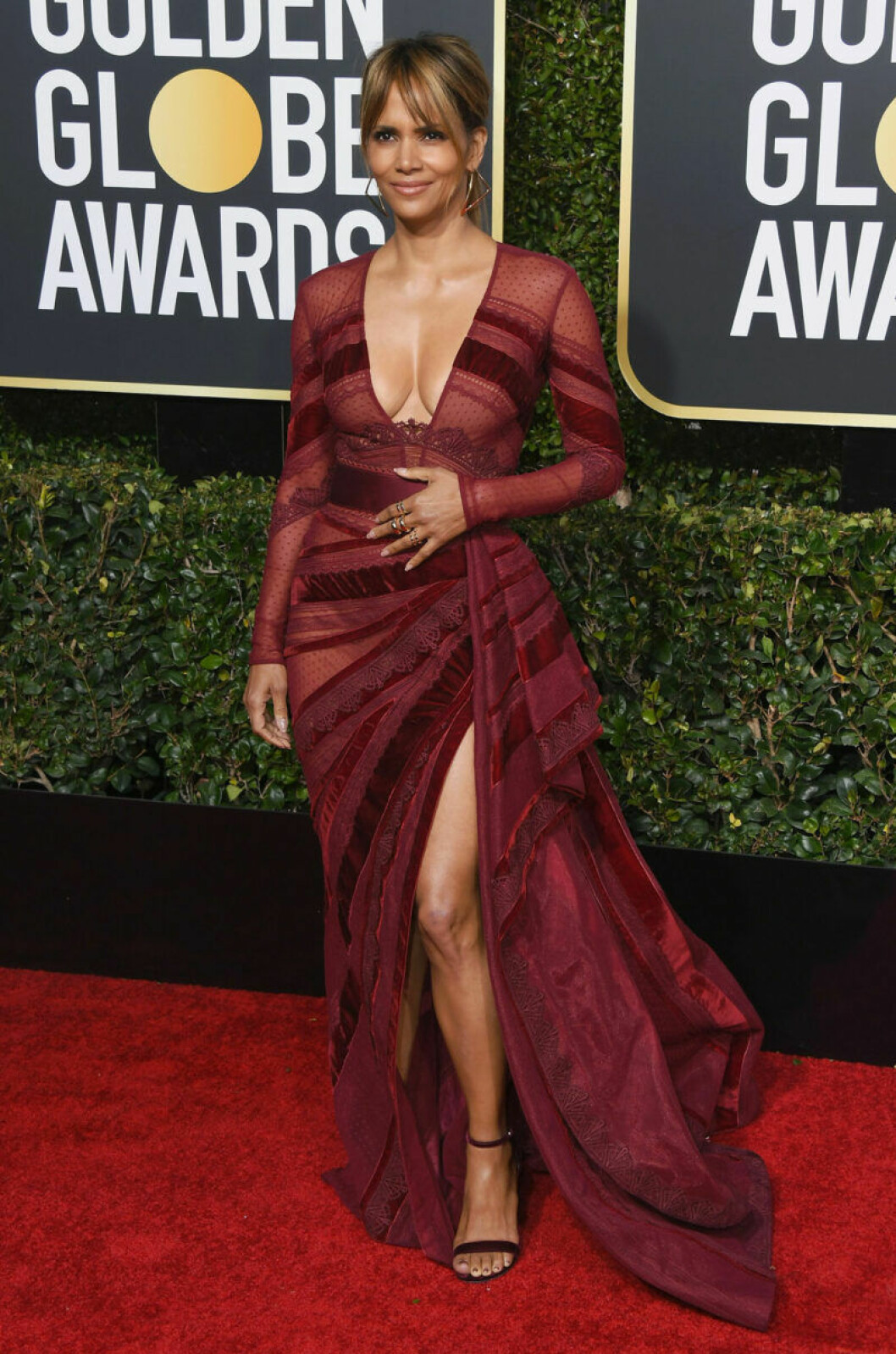 Halle Berry Golden Globe 2019