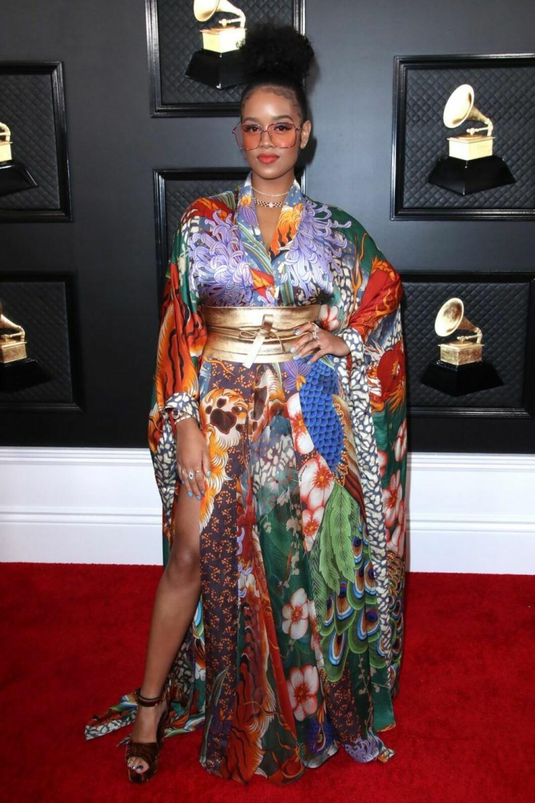 H.E.R. på Grammy Awards 2020 röda mattan