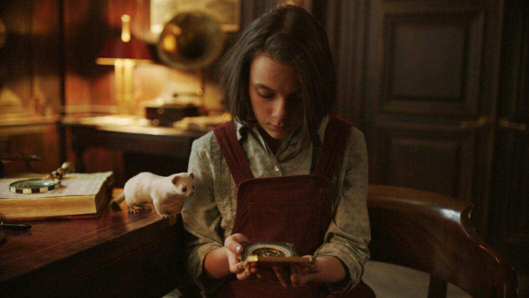 En bild på skådespelerskan Dafne Keen, som är med i tv-serien His Dark Materials på HBO.