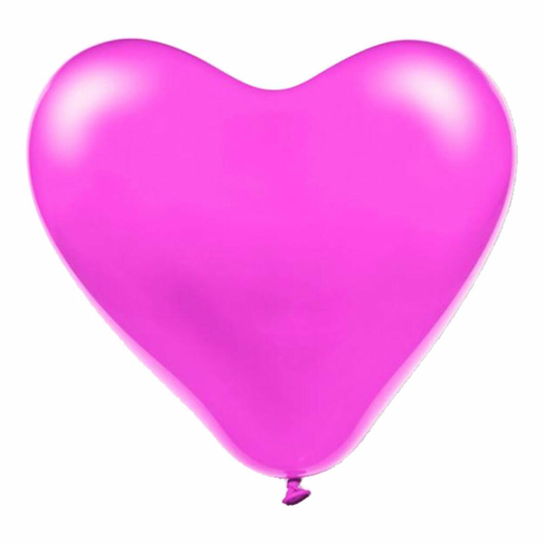 stora rosa hjärtformade ballonger