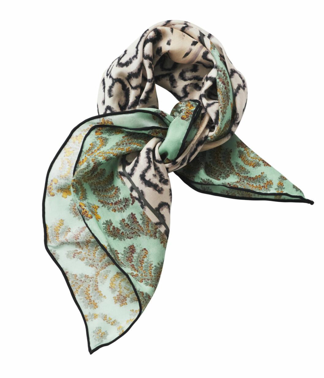 H&M Conscious Exclusive 2019 beige och grön scarf