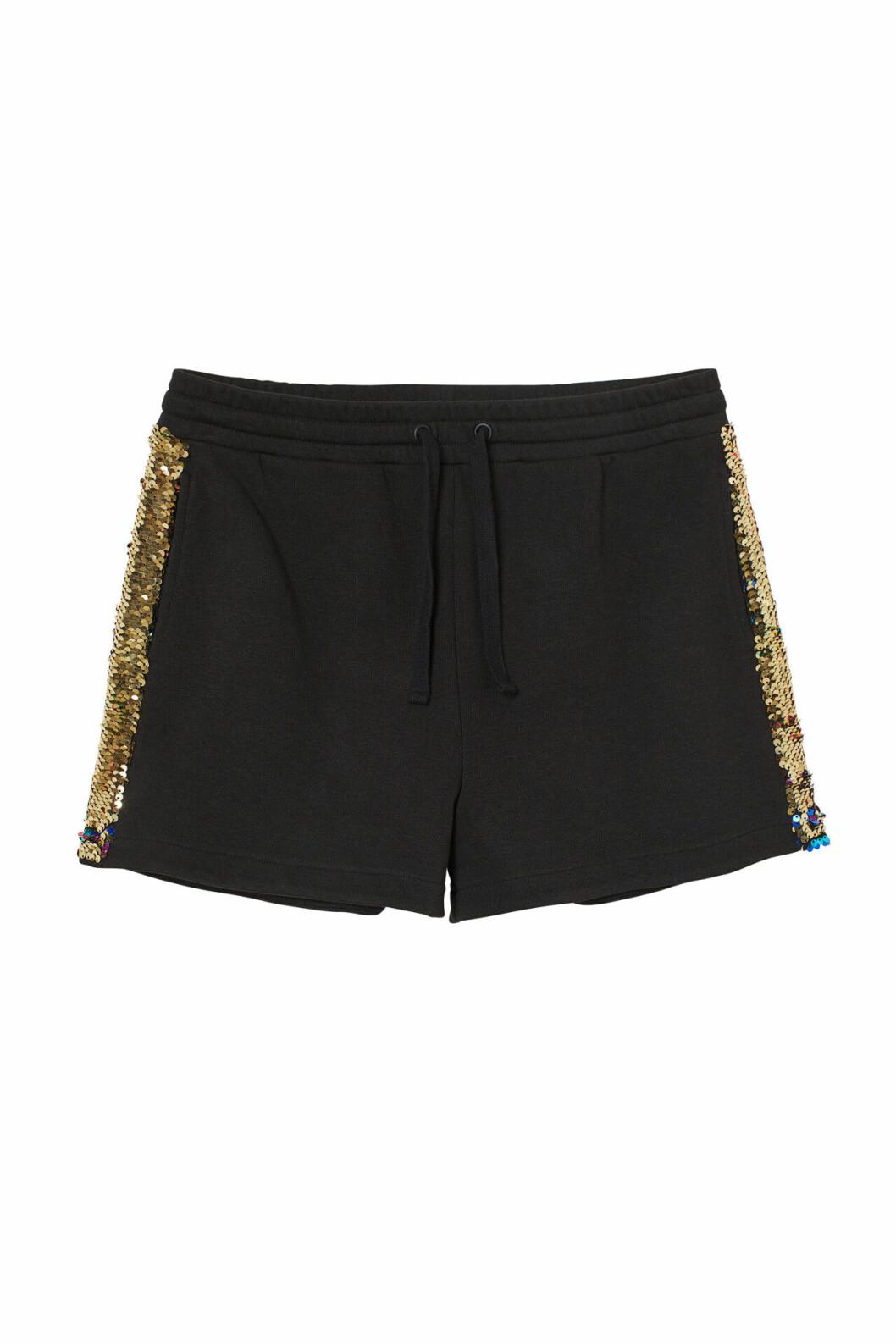 H&M:s pridekollektion 2019 – svarta shorts med paljetter