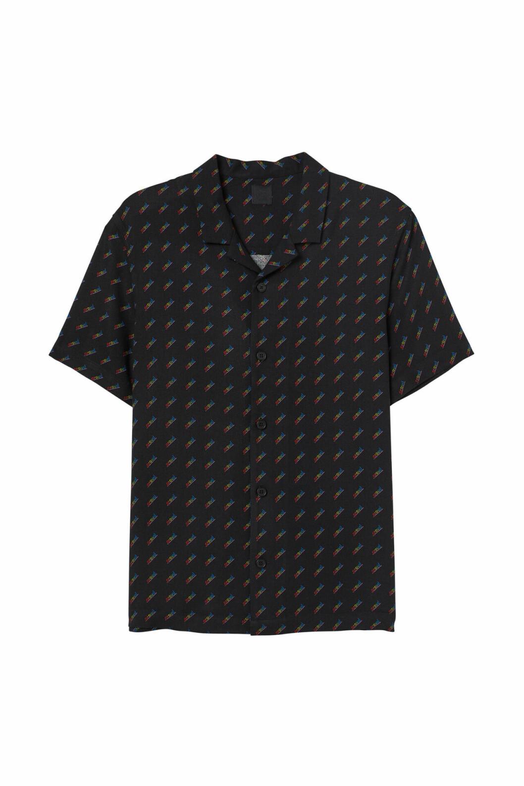 H&M släpper Pridekollektion för 2019 – svart skjorta med tryck
