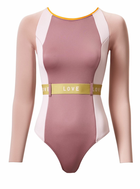 H&M släpper badkollektion med Love Stories – rosa våtdräkt