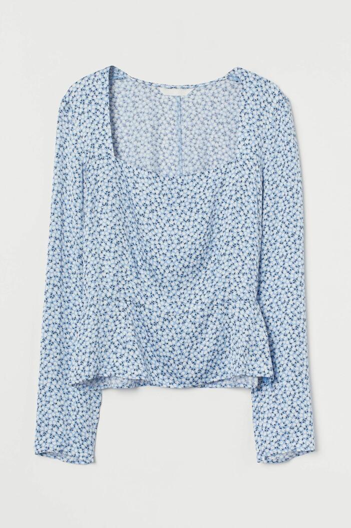 ljusblå blommig blus från H&M