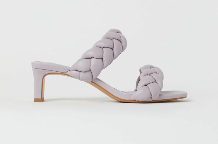 lila vävda sandaler med klack från H&M