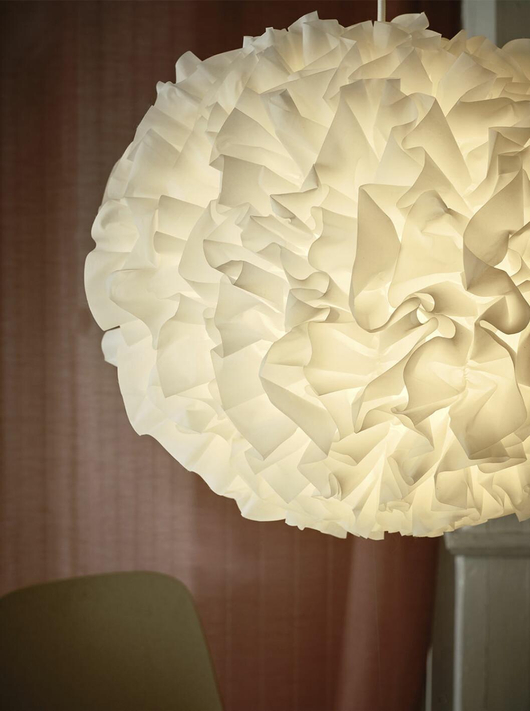 Lampan Vindkast från Ikea påminner om ett fluffigt moln