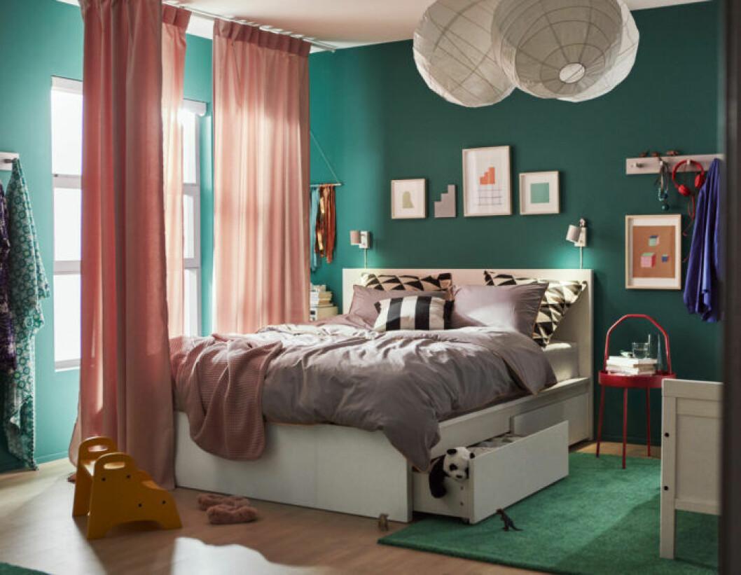 Ett sovrum i Ikeas nya katalog våren 2019