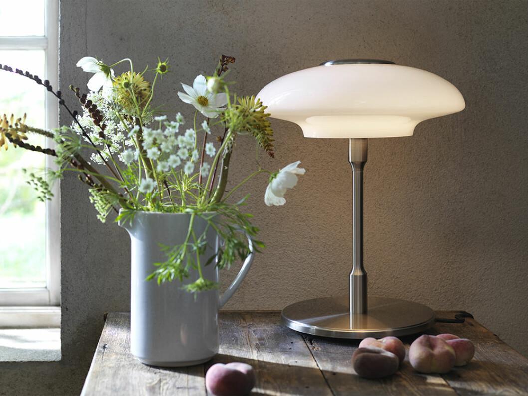 Art déco-inspirerad lampa från Ikea våren 2020