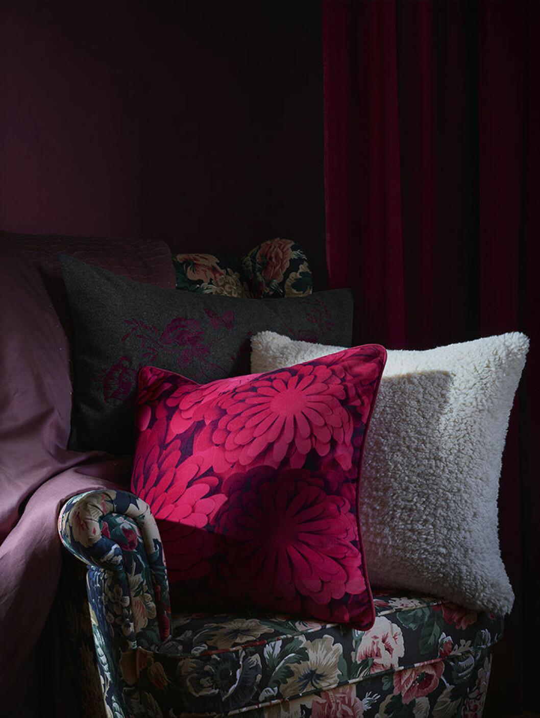 Kudde med mönster av Bea Szenfeld för Ikea