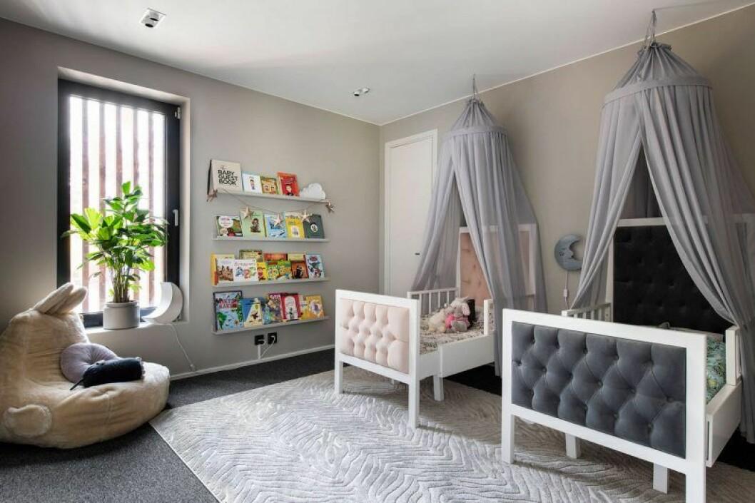 Isabella Löwengrip säljer sin lyxvilla – här är bild på barnrummet