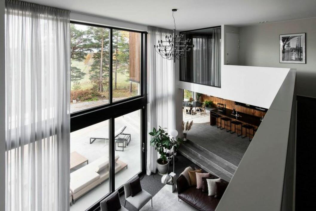 Isabella Löwengrip säljer sin lyxvilla – här är bild från ovanvåningen