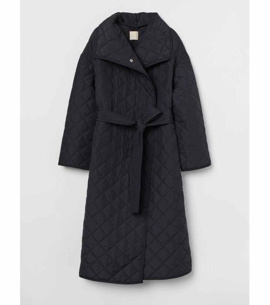 Lång quiltad kappa från H&M